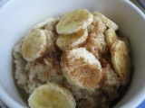 Cinnamon Honey Oatmeal with Bananas